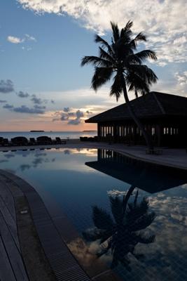 Maldives-Kuredoo-Resort-Pool-2012_04_12_03712-martin-pfaller.de_resize